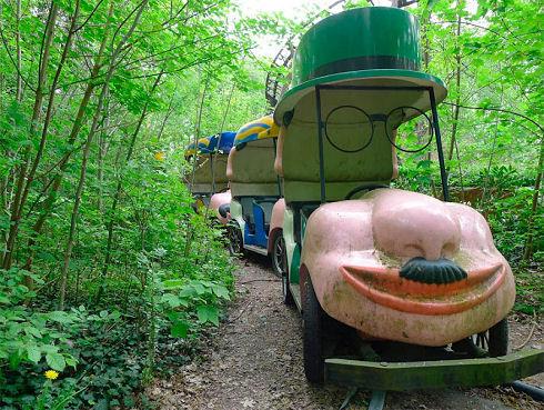 Surreal Abandoned Amusement Park in Berlin 08