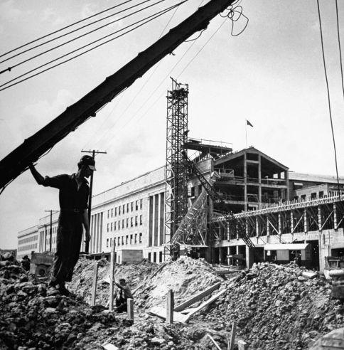 Building the Pentagon 01