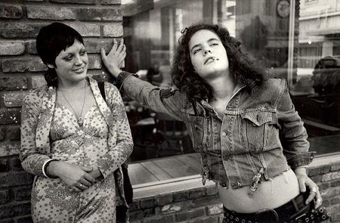 1972-lesbian-couple
