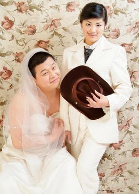 World_s_Best_Bizarre_Funny_Wedding_Photos_27