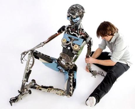 robot-typewriter