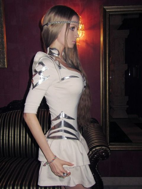 Valeria Lukyanova 08
