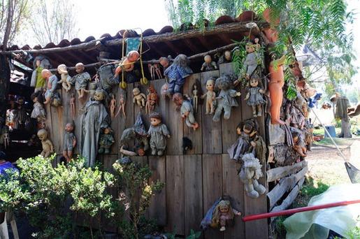 island of dolls[16]