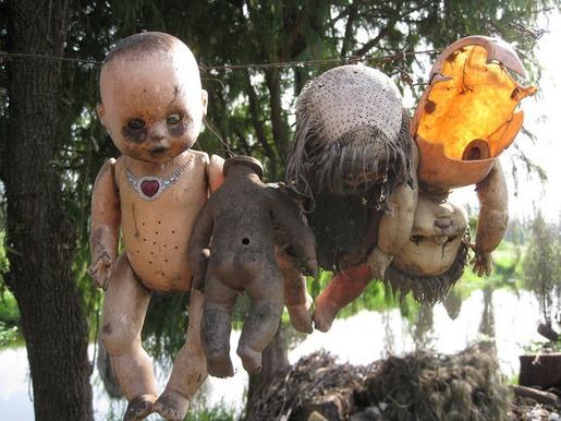 island of dolls[14]