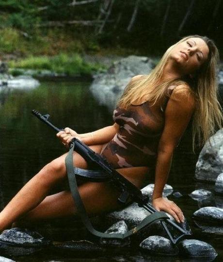 gun and woman_14