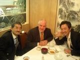 左からDr島尾さん、Quamバーナードさんと私
