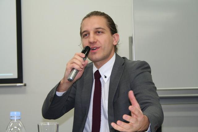 サシャ・シヴァノヴィッチ氏2