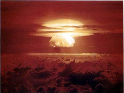 アメリカは、マーシャル諸島を核実験場としてソ連との核開発競争にしのぎを... 児玉克哉のブログ「