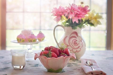 strawberries-783351_1920