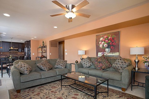 vacation-rental-sedona-lounge