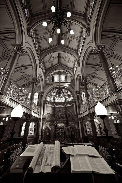 synagogue-458371_960_720