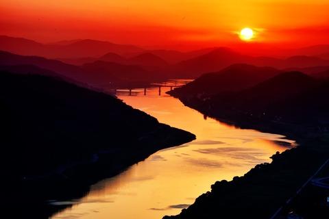 river-593021_960_720
