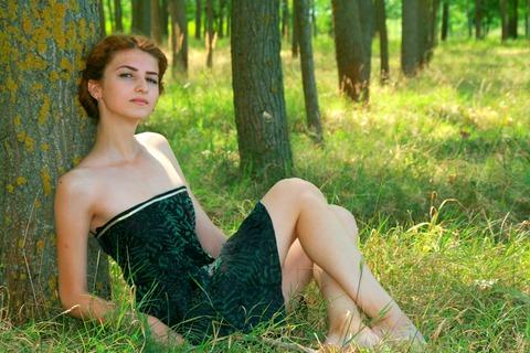 美しいセレブ女性