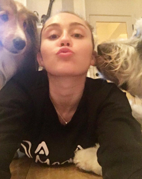 miley2017114_01