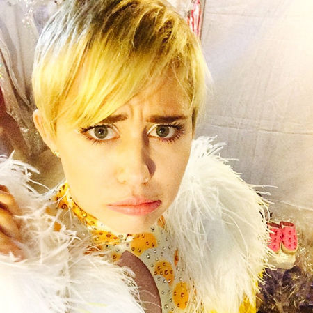 miley201929_05