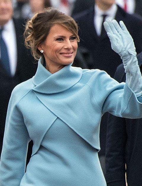 メラニア・トランプが大統領就任式で着用したドレスのブランドは!?