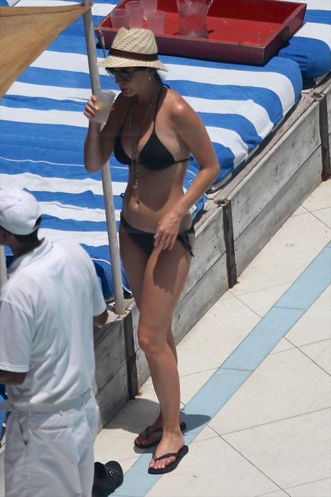 Katy Perry - wearing a bikini at a hotel pool in Miami  02