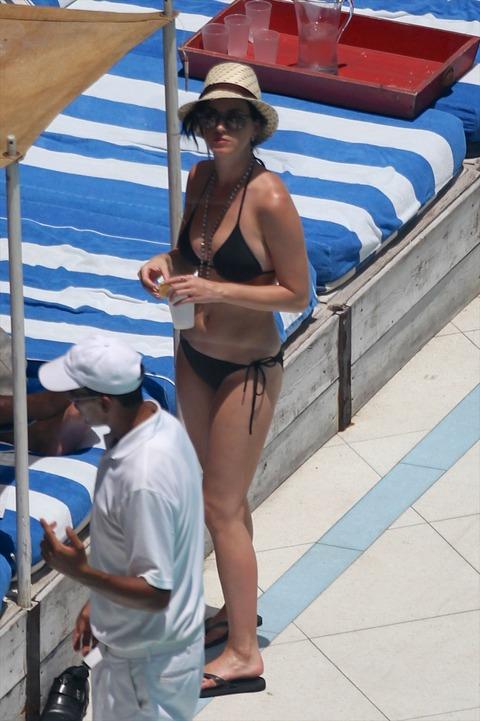 Katy Perry - wearing a bikini at a hotel pool in Miami  01