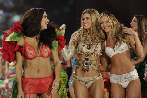 Victoria's Secret Fashion Show 2012 003