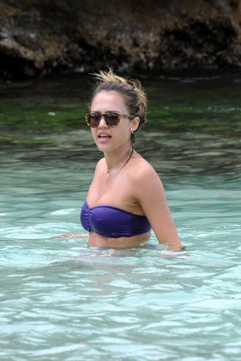 Jessica Alba  Purple Bikini  St Barts 017