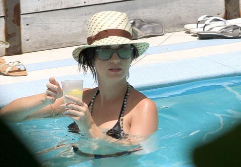 Katy Perry - wearing a bikini at a hotel pool in Miami  17