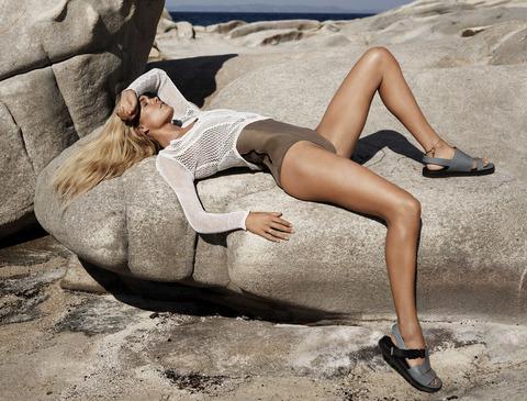 Doutzen Kroes - UK Vogue January 2013 - MQ (3)