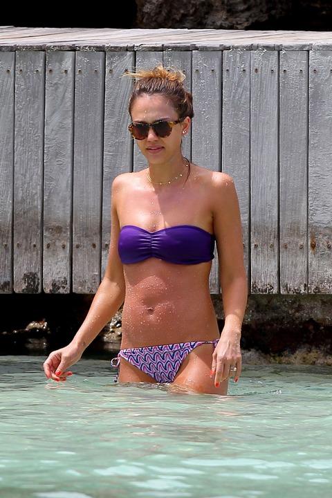 Jessica Alba  Purple Bikini  St Barts 037
