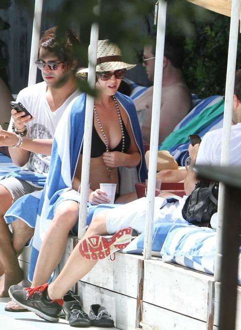 Katy Perry - wearing a bikini at a hotel pool in Miami  41