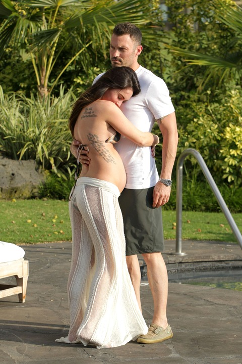 Megan Fox - Bikini in Hawaii 09