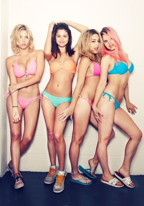 Vanessa Hudgens Selena Gomez Ashley Benson - Spring Breakers1