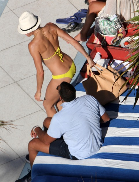 Cameron Diaz - bikini at a pool in Miami Beach (1)