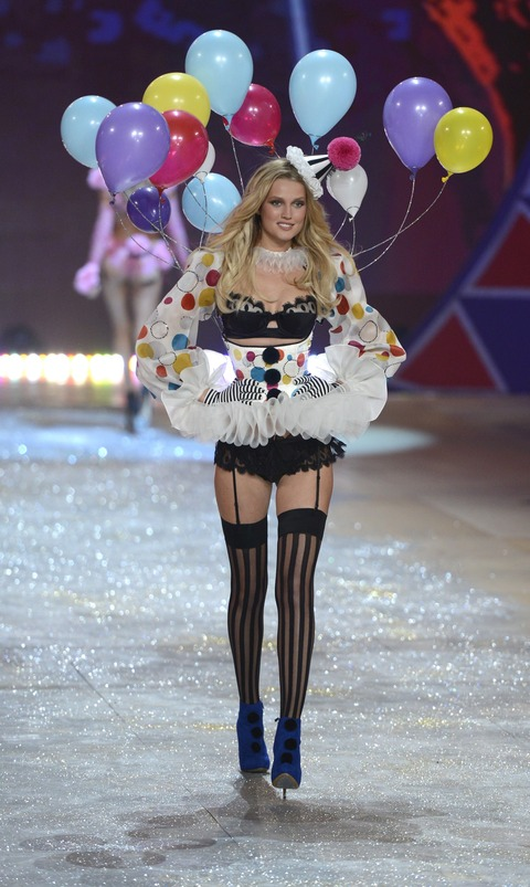 Victoria's Secret Fashion Show 2012 010