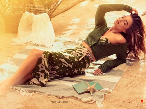 Harper Bazaar (3)