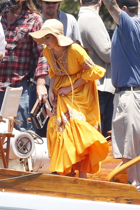 Lindsay Lohan @ Liz & Dick set in Marina Del Rey