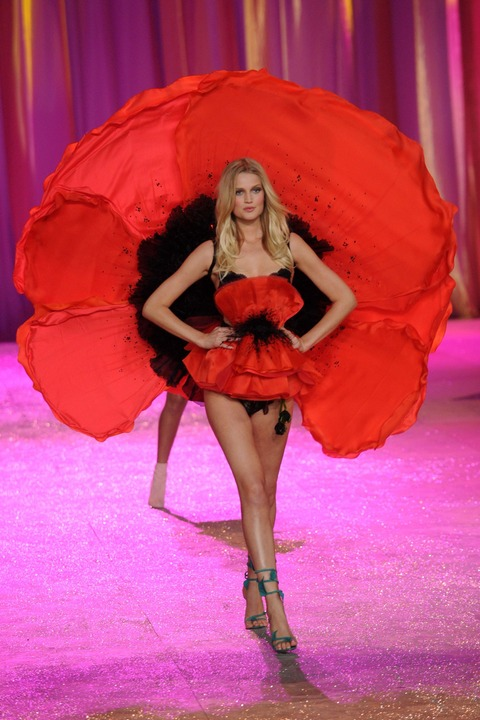 Victoria's Secret Fashion Show 2012 011