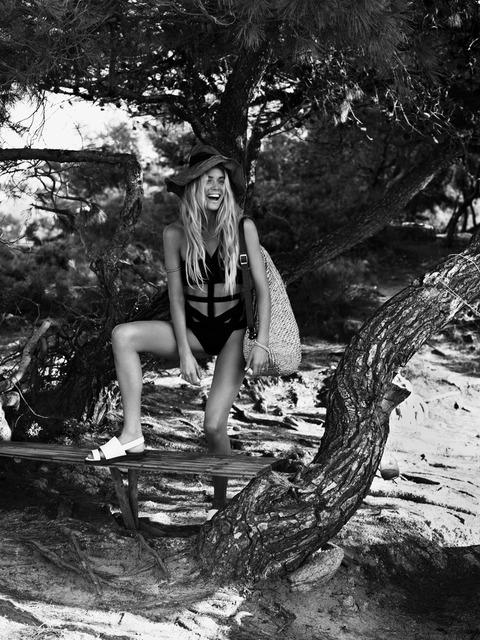 Doutzen Kroes - UK Vogue January 2013 - MQ (9)