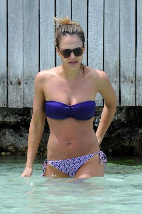 Jessica Alba  Purple Bikini  St Barts 014