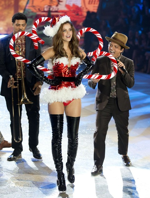 Victoria's Secret Fashion Show 2012 001