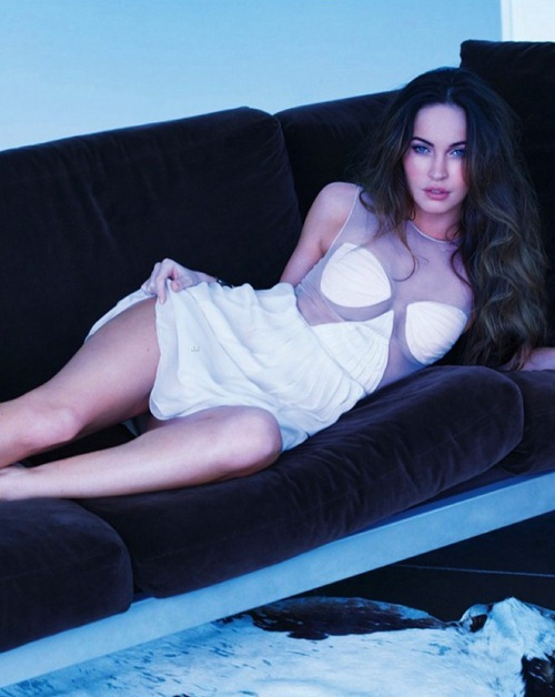 Megan Fox - Esquire magazine February 2013 (5)