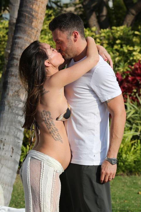 Megan Fox - Bikini in Hawaii 10