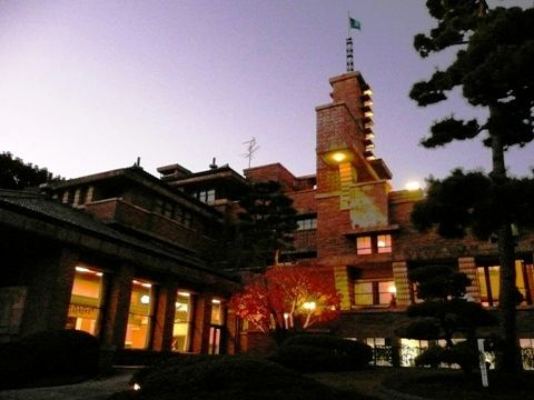 20101204甲子園会館ライトアップ (3)