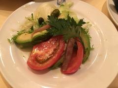 アボガドとアンチョビのサラダ