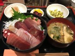 �天然鮮魚の海鮮丼