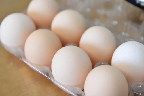 88歳無職の男、スーパーで卵1パックを盗み懲役1年の実刑
