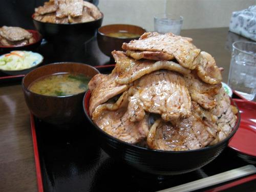 北海道の豚丼めちゃくちゃ美味そうでわろた
