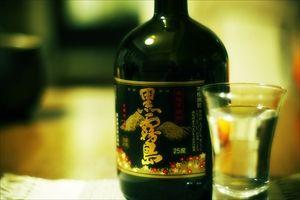 「黒霧島」の霧島酒造、連続首位 25年の焼酎売上高