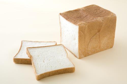 「食パンがぬれている」うそのクレーム…5年で2700万円も稼いでた無職を逮捕