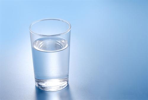 東京、歌舞伎町「水だけで63万円」 ぼったくり店経営者ら2人逮捕