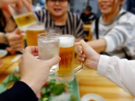 会社の飲み会やフットサルとか社員旅行とかいう一部の人達しか喜ばない行事