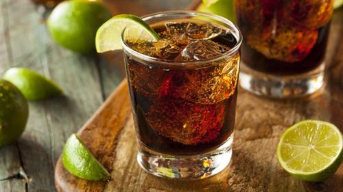 ウイスキーのコーラ割りとかいう神の飲み物wwww